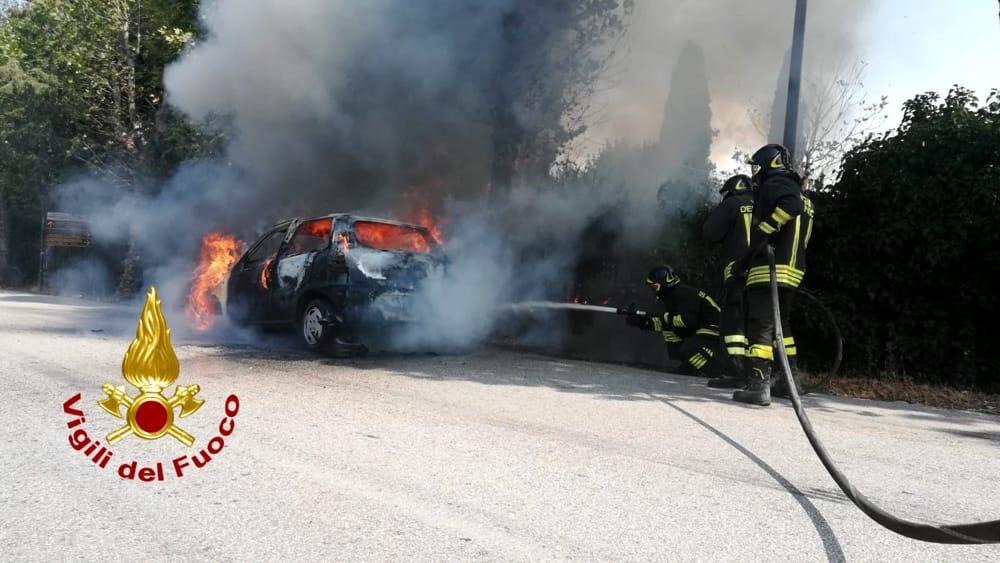 Torgiano, incendio auto   Incendio auto Torgiano - PerugiaToday