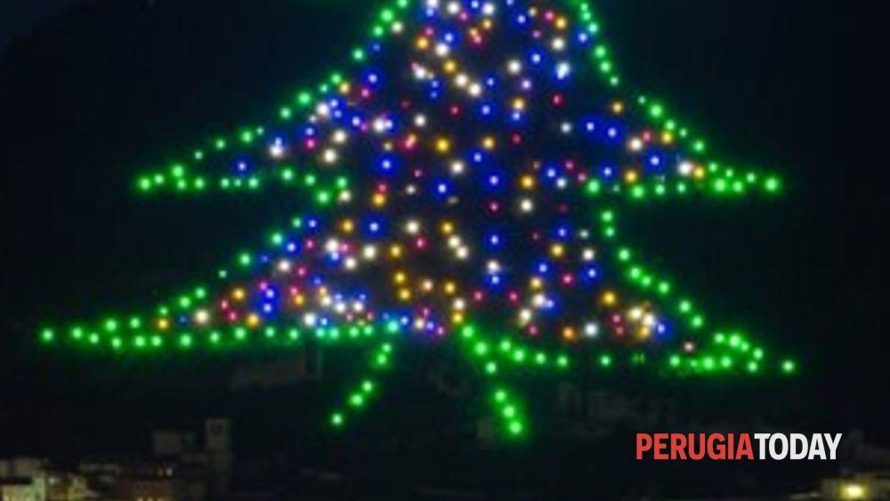 Albero Di Natale Gubbio.Alberi Di Natale Gubbio Tra I 10 Piu Belli D Italia