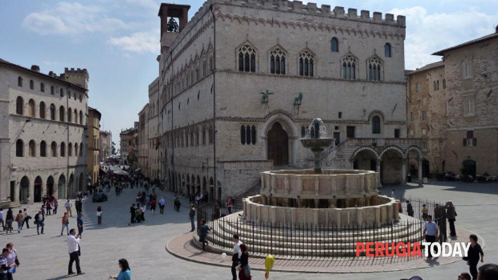 Perugia revocata l 39 ordinanza di chiusura post terremoto for Arredare milano piazza iv novembre