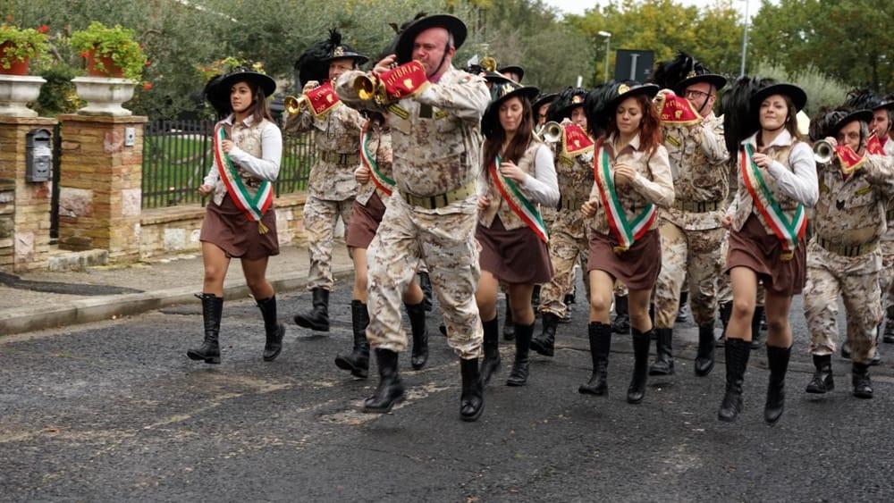 Bersaglieri e fanfara sempre di corsa ad Assisi: successo per il raduno di Assisi - PerugiaToday