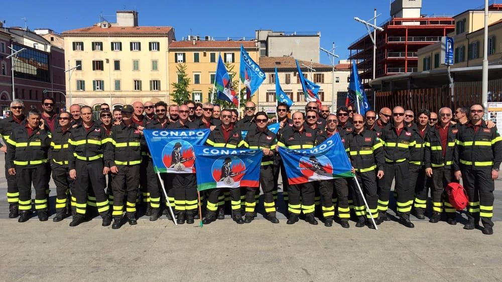 Stipendi, previdenza e carriera, i Vigili del fuoco di Perugia protestano a Roma - PerugiaToday
